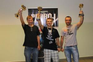 """Od lewej Wojciech """"Wujtrator"""" Dziórawiec, Jakub """"Kubala"""" Janiak, Łukasz """"Raskoks"""" Bigos."""